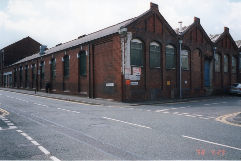 The corner of Upper Villiers and Sunbeam Streets. This building housed a paint shop.